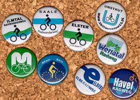 Radweg-Button, Pins, Sticker, Souvenirs